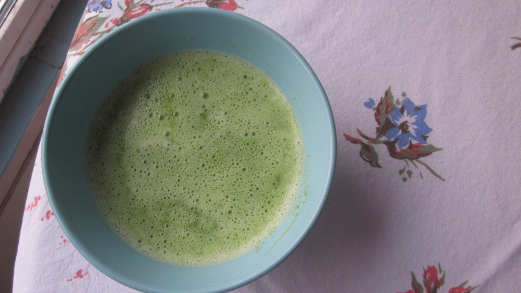 It's just as delicious as it is green: Radish-Leaf Soup!