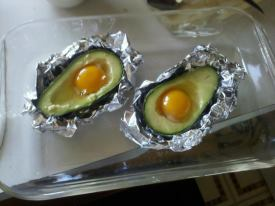 baked avocado eggs!
