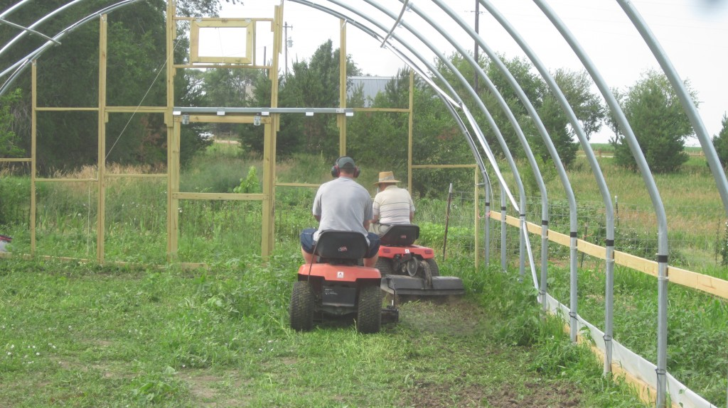 Hoophouse building Phase 4