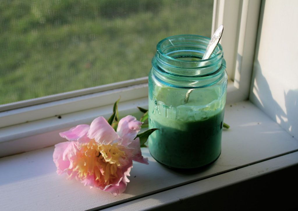 I keep my creamy salad dressing in this winsome jar. :) And I like to pose peonies with my dressing shots.