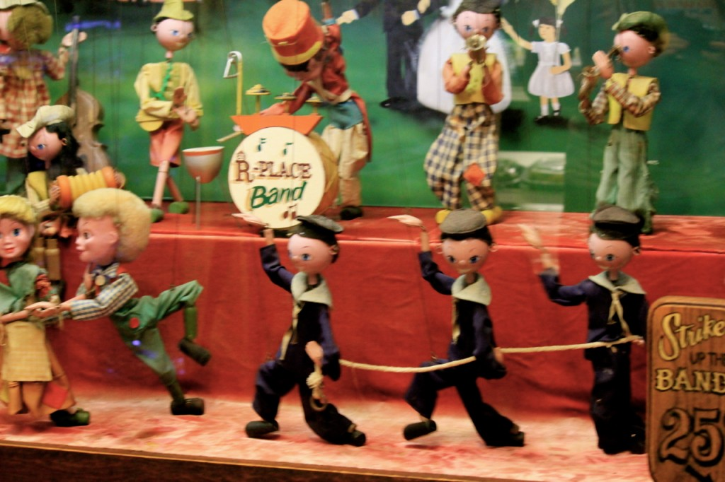 I loved these little dancing sailors!